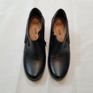 "Clarks Black Leather :Genette Harper"" Bootie"